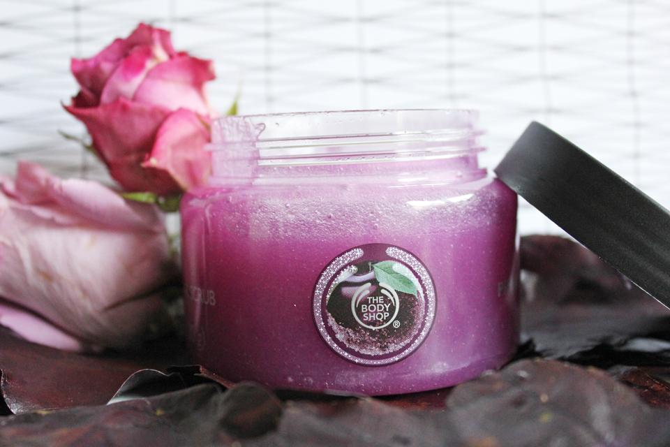 The Body Shop Frosted Plum Sugar Scrub 3
