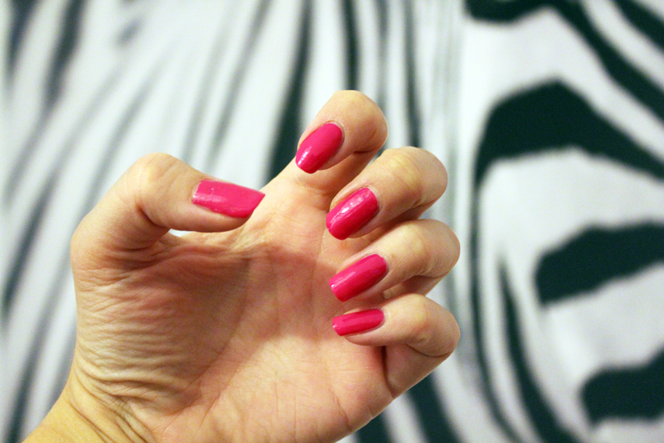 Makiash pink nails