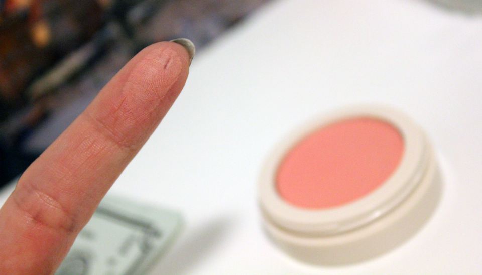 Lovely Natural Beauty Blusher Swatch