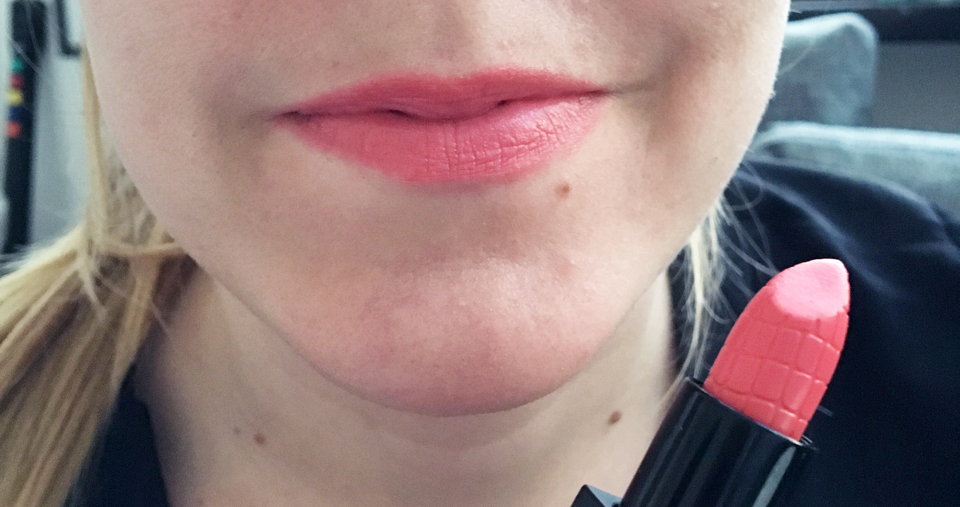Make Up Store Lipstick First Kiss Swatches