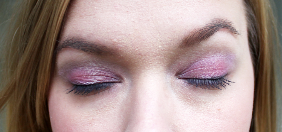 makeup-look-pink-ribbon-eyes
