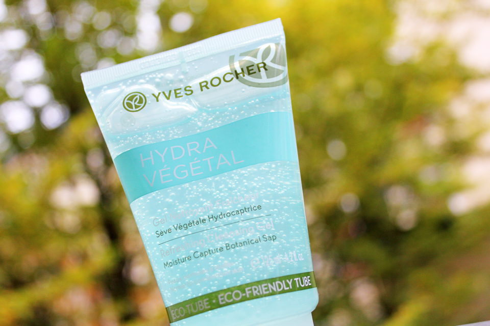 yves-rocher-hydra-vegetal-refreshing-cleansing-gel