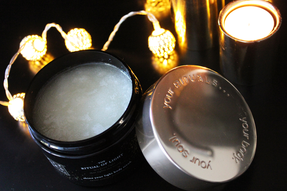 rituals-the-ritual-of-light-body-scrub