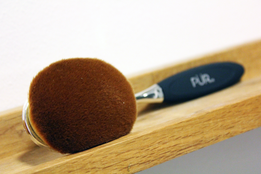 Pur Cosmetics Skin-Perfecting Foundation Brush