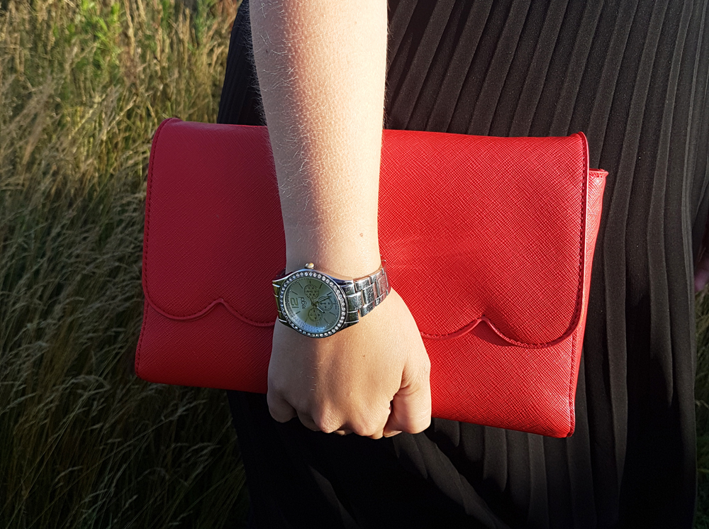 Outfit of the day - Red Handbag